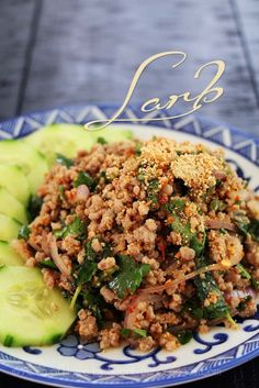 Larb (Laap/Laab) Minced Meat Salad Recipe & Video - Asian at Home Thai/Laos style mince pork salad recipe Larb! Sometimes it spells Larb, Laab, Laap.But only thing that they have common is, they are DELICIOUS! Thai Food Recipes, Pork Recipes, Asian Recipes, Dinner Recipes, Cooking Recipes, Healthy Recipes, Spicy Recipes, Minced Chicken Recipes, Ethnic Recipes