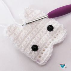 These Tooth Fairy Pouches are great for kids that are starting to lose teeth and need a safe place to keep them until the Tooth Fairy visits! Amigurumi Patterns, Crochet Patterns, Pillow Patterns, Dollar Bill Origami, Crochet Keychain, Tooth Fairy Pillow, Crafts To Make And Sell, Crochet Baby Booties, Love Crochet