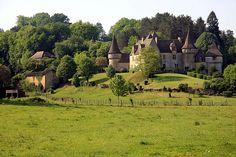 Countryside Castle, Dordogne, Aquitane, France  photo via bonparisien