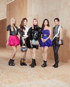 The K-Pop group attended the recent fashion show by at the the Louvre in Paris. Jessica Biel, Jessica Jung, The Addams Family, It Bag, Emma Chamberlain, Chloe Grace Moretz, Justin Timberlake, K Pop, South Korean Girls