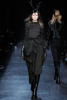 Ann Demeulemeester Fall 2009 Ready-to-Wear - Collection - Gallery - Style.com