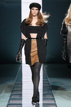 Versace Fall 2007 RTW - Runway Photos - Fashion Week - Runway, Fashion Shows and Collections - Vogue