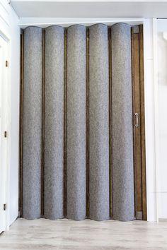 Paljeoven pintamateriaaliksi voidaan valita perinteinen keinonahka tai lämmin luonnonmateriaali huopa. Home Decor, Home, Decor, Curtains