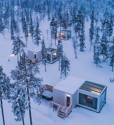 These incredible glass houses in Finland sit just below the Arctic Circle, making them the perfect viewpoint for the Northern Lights. Located in the Finnish Lapland, amongst ski resorts and snow villages, Northern Lights Ranch is one epic winter...