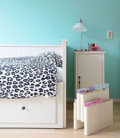 Ideas para decorar habitaciones infantiles. A veces en tonos que no son los habituales o en los que no pensamos en un primer momento.