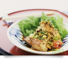 Barramundi and Asian Greens, in Chilli & Lime Sauce: Tender fish in a lightly spiced Asian sauce White Fish Recipes, Easy Fish Recipes, Seafood Recipes, Cooking Recipes, Healthy Recipes, Party Recipes, Apple Recipes, Eat Healthy, Asian Recipes