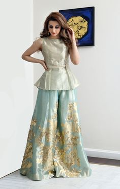 wide legged tissue palazzo pants paired with golden tissue peplum top Fashion Pakistan Pakistani Fashion Party Wear, Pakistani Dresses Casual, Pakistani Wedding Outfits, Pakistani Dress Design, Indian Fashion, Womens Fashion, Lehenga Designs, Kurta Designs, Kurti Designs Party Wear