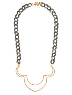 A very Middle Eastern je ne sais quoi about this necklace