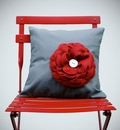 "16"" DESIGNER PILLOW - Red Flower - Charcoal Gray Linen - White Ceramic Retro Button on Felt Flower by JillianReneDecor. ~I'm in love with this pillow! Totally love the red chair too."