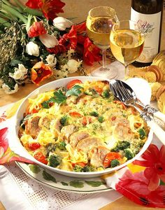 Baked fillet pan recipe DELICIOUS - Our popular recipe for baked fillet pan and over other free recipes LECKER. 300 Calorie Lunches, Low Calorie Dinners, Low Calorie Recipes, Vegetable Soup With Chicken, Chicken And Vegetables, Pork Recipes, Keto Recipes, Healthy Recipes, Free Recipes