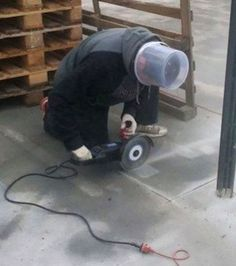 Usando os melhores acessórios de proteção.