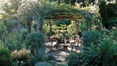 4 Amazing Tricks Can Change Your Life: Garden Layout Life garden ideas fence house.Garden Layout Life backyard garden ideas on a budget. Country Landscaping, Outdoor Landscaping, Front Yard Landscaping, Landscaping Ideas, Walkway Ideas, Patio Fence, Arbor Ideas, Backyard Garden Landscape, Garden Paths