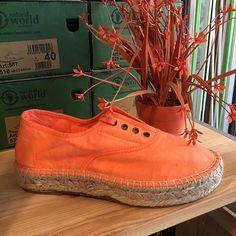#orange #verano #naturalworldeco #madrid #visualmerchandising #escaparate