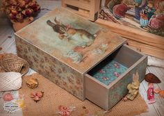 Paisley Art, Flower Phone Wallpaper, Decoupage Box, Pintura Country, Diy Box, Shadow Box, Ideas Para, Decorative Boxes, Photo Wall