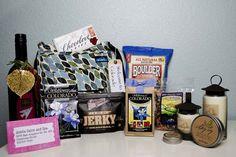 10 Creative Welcome Bag Ideas | Unique Wedding Gift Bags for Destination Weddings | Colorado