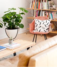 Shopping for your living room? Check out this list of the coolest living room chairs for every budget - all under $1,000! #chairs #accentchairs #homedesign #homedecor #modern