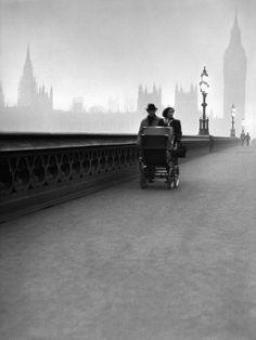 London, 1949, photo by René Groebli