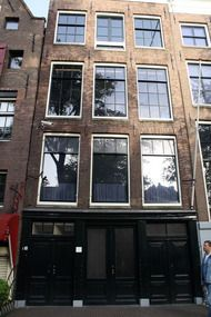 One of the most profound places I have ever visited, Anne Frank House, Amsterdam. we need to plan a trip to Amsterdam to see this 😃 Amsterdam Houses, Visit Amsterdam, Amsterdam Netherlands, Oh The Places You'll Go, Places Ive Been, Anne Frank House, Travel Around The World, Beautiful Places, Amazing Places