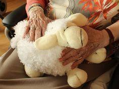 👵  Cuidadora para abuelita Buscamos cuidadora para una abuelita de 87 años, solo seria necesario por las mañanas para arreglar un poco la casa, limpieza, plancha y salir con ella a la compra PARA VER O SOLICITAR ESTE PUESTO:  ➡  http://bit.ly/2fJXm0W