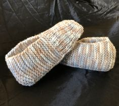 We've got hundreds of aran knitting patterns. Jumpers, cardigans, baby booties and aran sock knitting patterns are all waiting for you. Even traditional irish knitting patterns! Knitting Socks, Knitting Stitches, Knitting Patterns Free, Knit Patterns, Free Knitting, Baby Knitting, Knitting Kits, Beginner Knitting, Knitting Designs