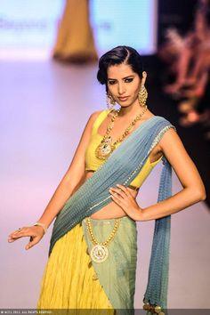 Former Miss India Manasvi Mamgai walks the ramp for Dipti Amisha during the India International Jewellery Week. #Bollywood #Fashion #IIJW