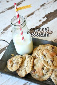 Oatmeal Chocolate Chip Cookie Recipe | theidearoom.net