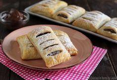 Saccottini di pasta sfoglia e nutella !! Una ricetta veramente veloce e semplice, che potrete realizzare In pochissimo tempo. Molto golosa !