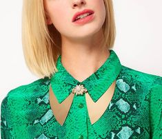 Brooch collar necklace