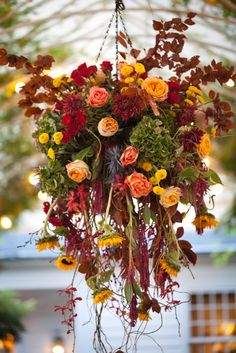 35 Clever Hanging Garden Decoration this Fall - Fall Hanging Baskets, Hanging Pots, Hanging Flowers, Autumn Decorating, Fall Decor, Fall Containers, Succulent Containers, Container Flowers, Container Plants