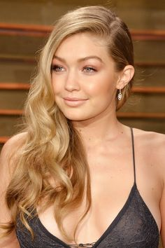 23 of Gigi Hadid best beauty, make up and hairstyle looks. From runway to street style and red carpet, we chart why she is the model of the moment and all round it-girl along with Kendall Jenner, Cara Delevingne and Karlie Kloss