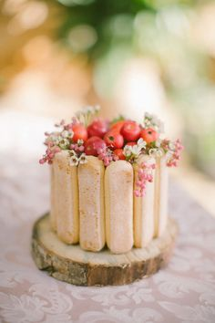 An eclair cake: http://www.stylemepretty.com/little-black-book-blog/2014/12/22/boho-chic-winter-wedding-inspiration/ | Photography: Anna Roussos - http://www.annaroussos.com/