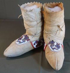 Native American Late 1800 NE Woodland Beaded High Top Moccasins • For Sale $700.00 3 • $700.00