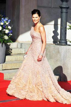 royaland:  Crown Princess Victoria of Sweden in Elie Saab