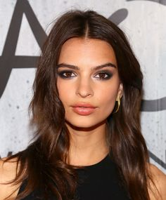 Emily Ratajkowski - pretty makeup....that eye makeup!!
