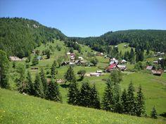 TUDOR  PHOTO  BLOG: Pestera Ghetarul de la Vartop - Muntii Apuseni,jud... Visit Romania, Tudor, Golf Courses, Dolores Park, Beautiful Places, Mountains, Amazing, Blog, Travel