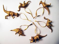 DIY dinosaur decorations - would have to do this one year! Office Christmas, Christmas Room, Diy Christmas Tree, Merry Little Christmas, Christmas Ornaments, Xmas Tree, Dinosaur Christmas Decorations, Christmas Crafts For Gifts, Homemade Christmas Gifts