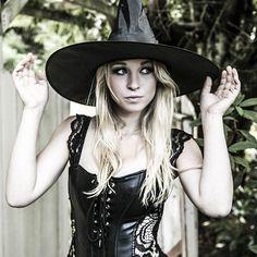 💀😈 baby im worth it 😈💀 #megsmclean #blonde #curvy #cowgirls #hot #model #countrygirls #countrygirl #sexy #badass #badasscowgirl #brave #witch #witchy #halloween #halloweencostume #hallows #october