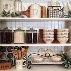 It's time for another round of We want to see your fabulous farmhouse finds. Farmhouse Style Kitchen, New Kitchen, Kitchen Dining, Farmhouse Decor, Kitchen Decor, Farmhouse Bed, Kitchen Ideas, Coin Café, Painted Chairs