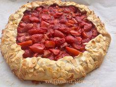 Epres-rebarbarás galette Quiche, Desserts, Food, Tailgate Desserts, Deserts, Essen, Quiches, Postres, Meals