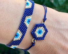 Bead Loom Bracelets, Bracelet Crafts, Jewelry Crafts, Charm Jewelry, Beaded Jewelry, Blue Charm, Seed Bead Patterns, Evil Eye Bracelet, Friendship Bracelets