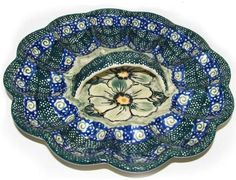 A… https://homeofpolishpottery.com/collections/kitchen-accessories/products/boleslawiec-polish-pottery-unikat-egg-serving-plate-green-garden
