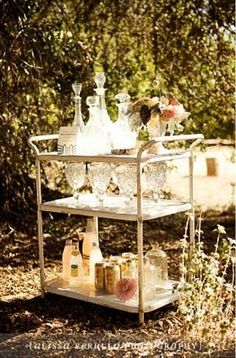 Oh, look it's our little garden party cart with nice cool drinks! Pink Champagne anyone?