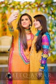 Pakistani Mehndi - Pakistani Bride And Groom ♡ ❤ ♡ Pakistani Wedding Dress… Pakistani Mehndi Dress, Pakistani Wedding Outfits, Pakistani Bridal, Pakistani Dresses, Indian Bridal, Indian Dresses, Indian Outfits, Desi Wedding, Wedding Wear