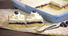 Áfonyás tejberizses süti recept képpel. Hozzávalók és az elkészítés részletes leírása. Az áfonyás tejberizses süti elkészítési ideje: 60 perc
