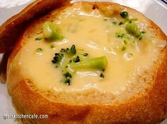 broccoli & cheese soup from scratch.I'm always looking for a good broccoli and cheese soup recipe! Soup Recipes, Cooking Recipes, Free Recipes, Online Recipes, Recipies, Kraft Recipes, Cooking Food, Cooking Tips, Dinner Recipes