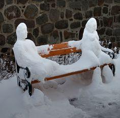Εντυπωσιακά γλυπτά από...χιόνι