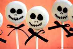 Skeleton Lollipop Idea Halloween treats ar… Skeleton Lollipop Idea Halloween treats are little details that can tie everything up during the creepy evening! Weve collected plenty of easy scary but cute desserts and snacks that you… Continue Reading → Halloween Desserts, Homemade Halloween Treats, Halloween Oreos, Halloween Snacks For Kids, Cute Desserts, Halloween Cookies, Cute Halloween, Delicious Desserts, Halloween Buffet