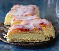 Retro dezerty: Žloutkové řezy Foto: Czech Desserts, Sweet Desserts, Sweet Recipes, Cake Recipes, Sweet Cooking, Czech Recipes, Bread Dough Recipe, Sweet Cakes, Something Sweet