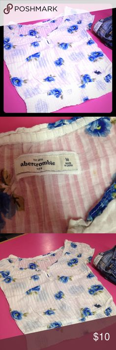 Floral Abercrombie Top Once loved sheer abercrombie and fitch top, blue flowers with green leaves😊 Abercrombie & Fitch Tops Tees - Short Sleeve