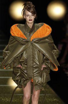 Christian Dior at Couture Fall 2002 - Runway Photos